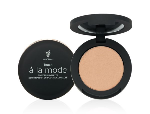 Beautiful shimmering hightlight , Powder Luminizer from Ann Jackson