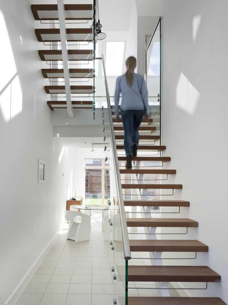 Light lover? Then here's a tip for the staircase: By keeping the staircase transparent – #naturallight will float through the steps and brighten up the room for a healthier and brighter home.