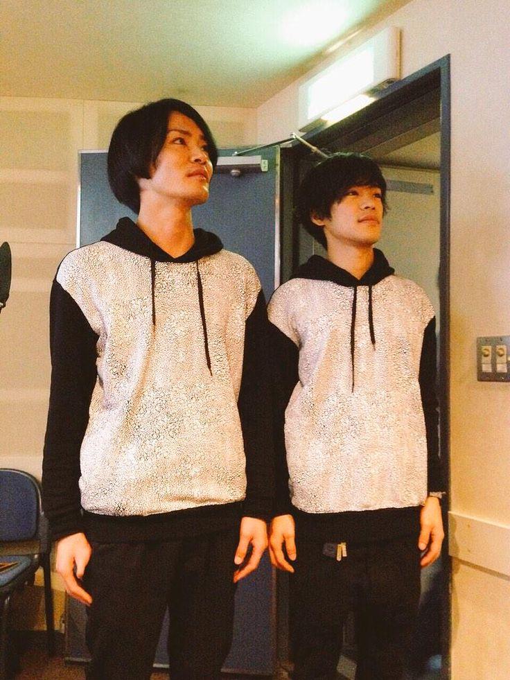 Yoshimasa Hosoya & Ono Kensho twins look, Dec 5, 2014