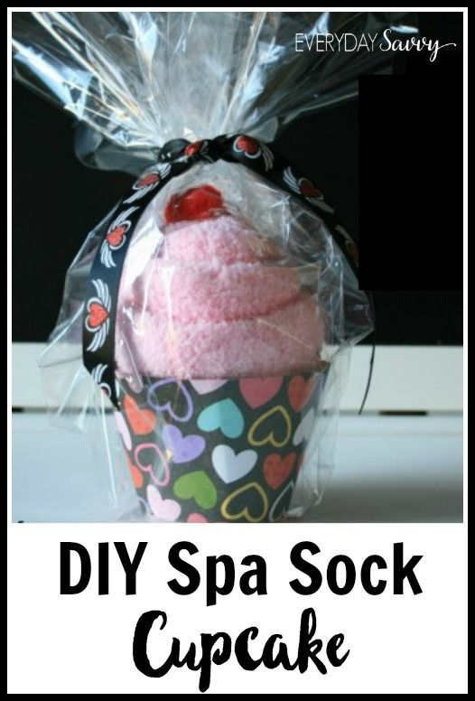 Super cute DIY spa sock cupcake tutorial. Includes free printable cupcake wrapper template. These are great for spa party favors or a cute gift. Craft idea for Valentine or other holiday.