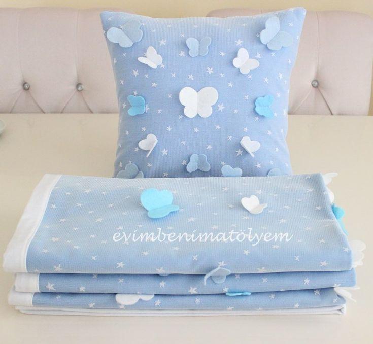 Mavi kelebekli erkek battaniyesi takımı...  Baby blanket with flying butterflies for boys