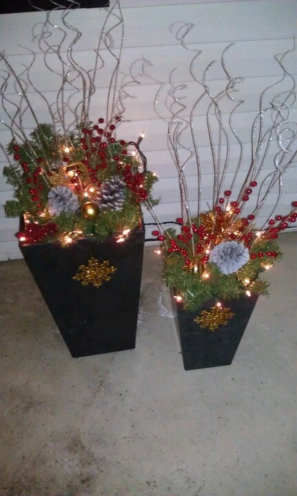 25 Best Ideas About Outdoor Christmas Planters On