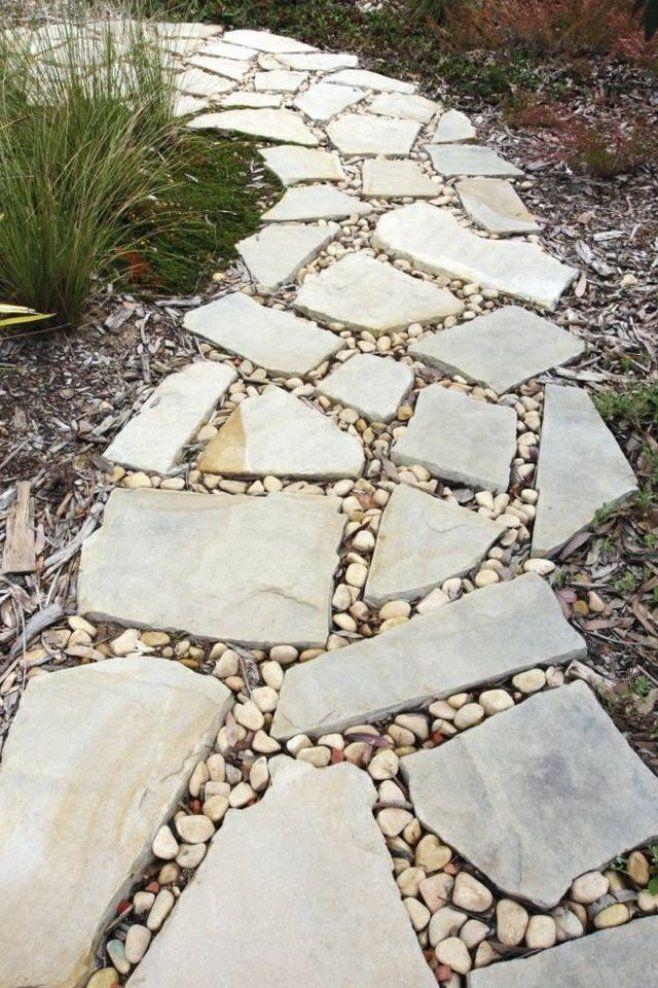 Gartenwege Gestalten Steinplatten Kies Bodenbelag Garten In 2020 Gartenweg Gestalten Gartenweg Garten