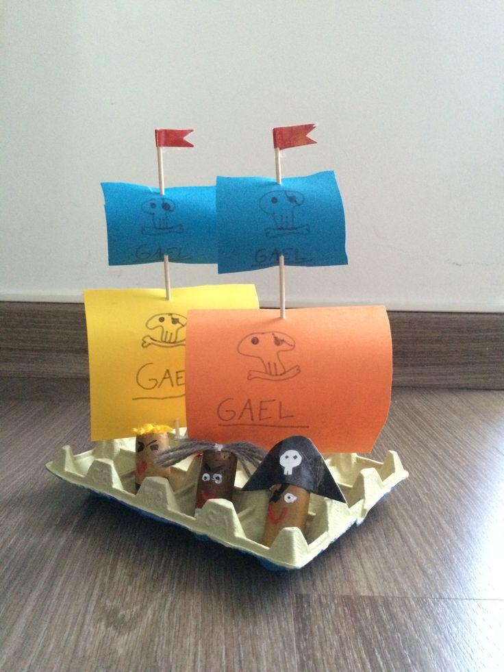 Barco pirata carton huevos hecho por ines pirate egg for Cajas de carton infantiles