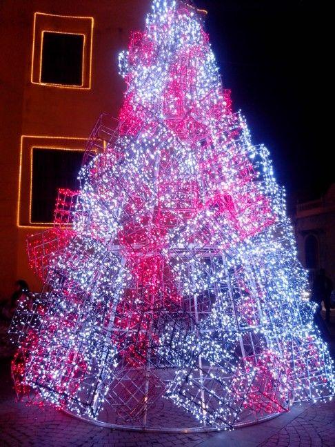 Árbol de Navidad en la Plaza de la Trinidad en el barrio de #Getsemaní en #CartagenadeIndias