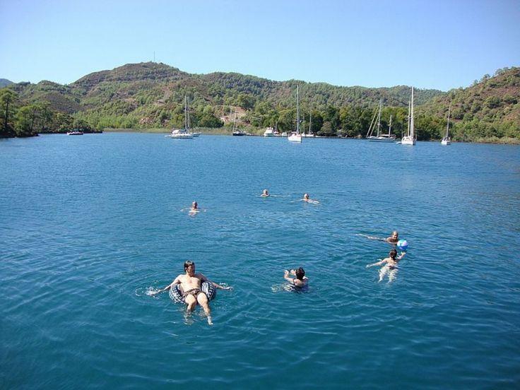 Festa in barca a vela addio al nubilato in Liguria. #festainbarcavela #festaddionubilato #skipperclub #addionubilatoliguria #liguriabarcavela