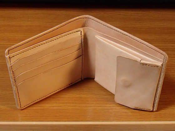 ビジネスでも使えるヌメ革の二つ折り財布の作り方(型紙あり)  |   バイクと趣味に生きる