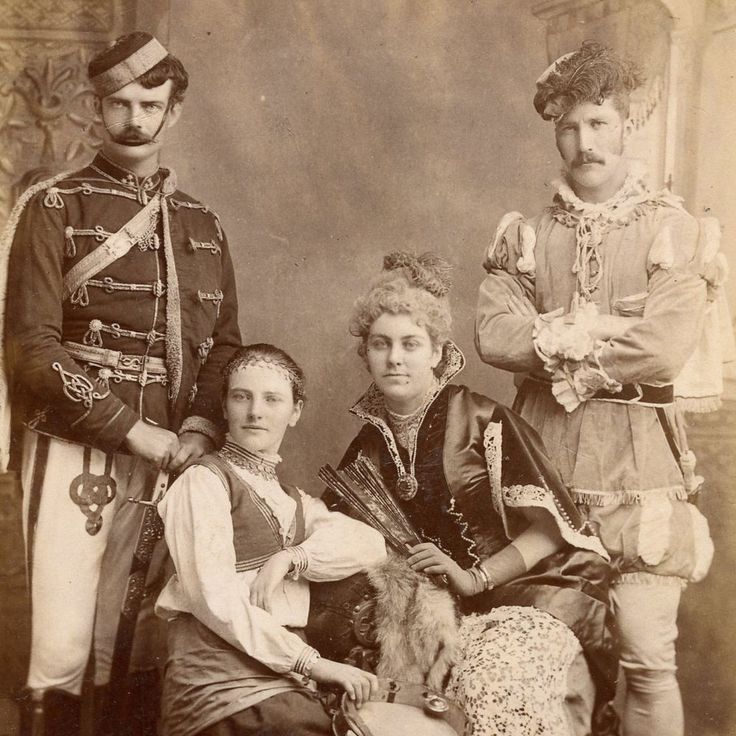 1880s COUPLES FANCY DRESS COSTUME CABINET CARD PHOTO VICTORIAN CIRCUS PERFORMER