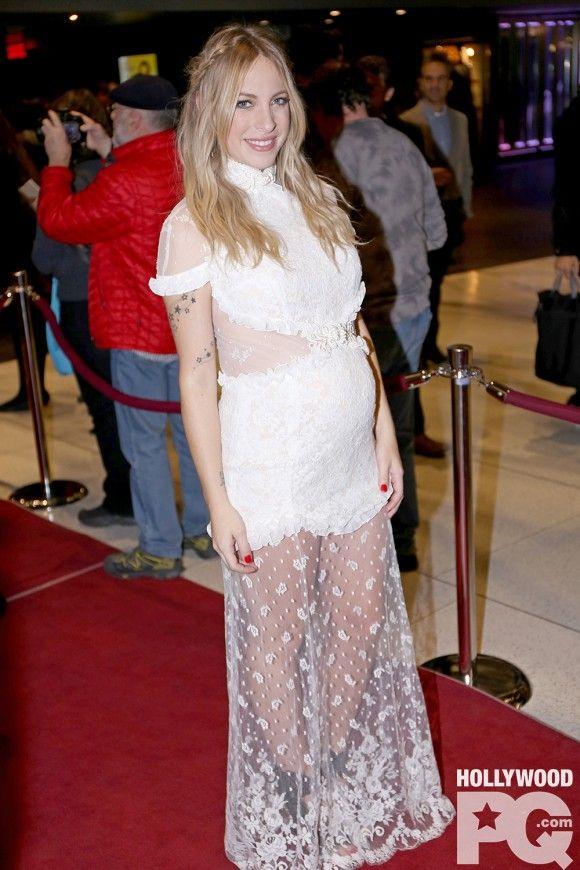 Marie-Mai nous parle de son chum et Nashville, sa grossesse et son prochain album... en anglais? - Entrevue exclusive HollywoodPQ | HollywoodPQ.com
