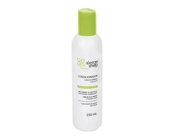 Após a limpeza, finaliza o tratamento dos cabelos conferindo emoliência e proteção aos fios.  Os ativos naturais têm ação adstringente, anti-inflamatória  e antimicrobiana  que controlam e equilibram a oleosidade do couro cabeludo.   Promove uma aparência muito mais saudável, limpa, hidratada e previne o aparecimento de caspa e seborreia  http://www.alergoshop.com.br/cosmeticos-tratamentos/linha-105/condicionador-cabelos-normais-e-oleosos/31-362.html