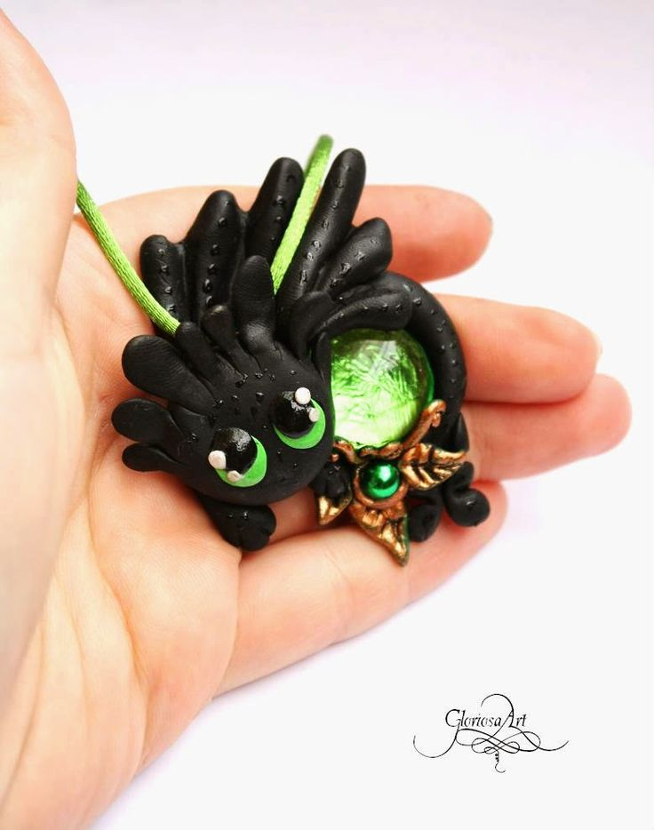 How to train your dragon - Green Hablaty - night fury - jewelry