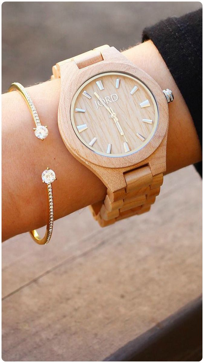 //Follow @mnicole.loves lead and stack simple pieces for classic style. Find her watch, the Fieldcrest in natural Maple, at woodwatches.com - free shipping worldwide!