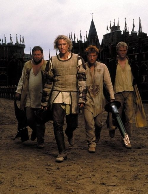 Screenshot of Heath Ledger, Paul Bettany, Alan Tudyk, and Mark Addy in A Knight's Tale (2001). With Rufus Sewell, Shannyn Sossamon, Laura Fraser, and James Purefoy. R.I.P. Heath <3