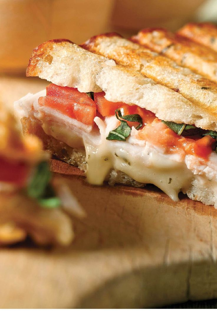 Turkey Bruschetta Pannini – Here's everything you enjoy about bruschetta, grilled into a tasty turkey panini. And if you start now, you can enjoy it in just 10 minutes!
