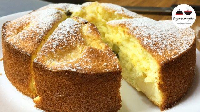 Нежный бисквитный пирог с персиками и киви