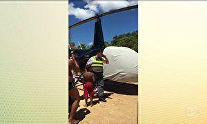 Helicóptero arrisca a vida de banhistas em praia de Guarapari (ES)