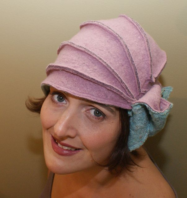 A cloche hat in boiled wool (with tutorial) by Alvan on Craftster