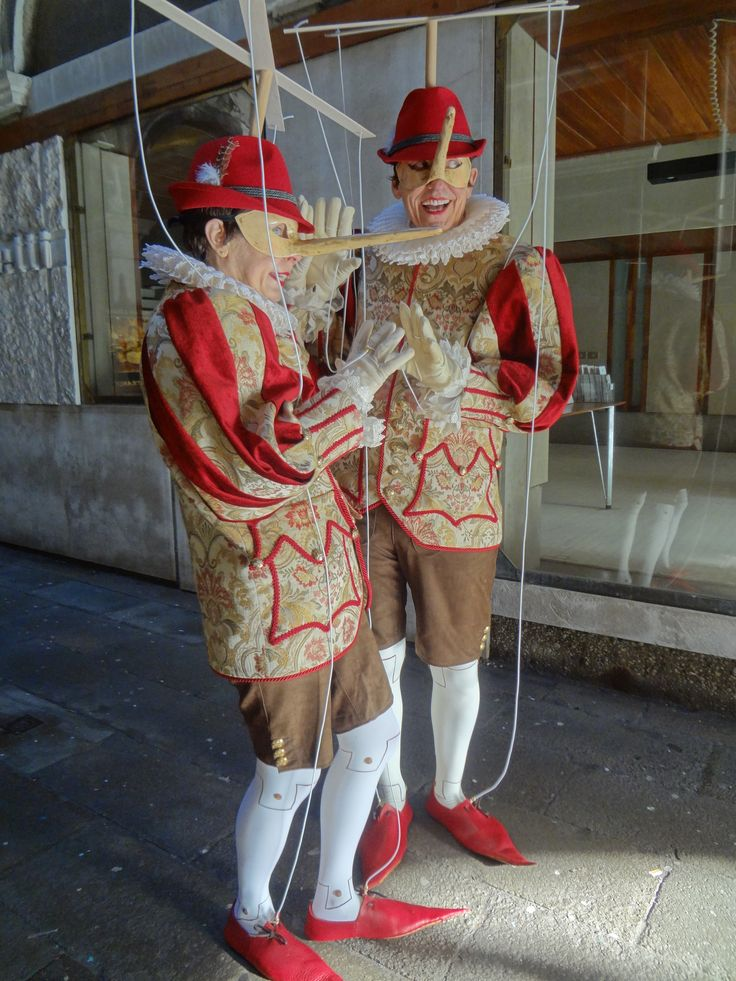 Pinocchio couple, from carnavale
