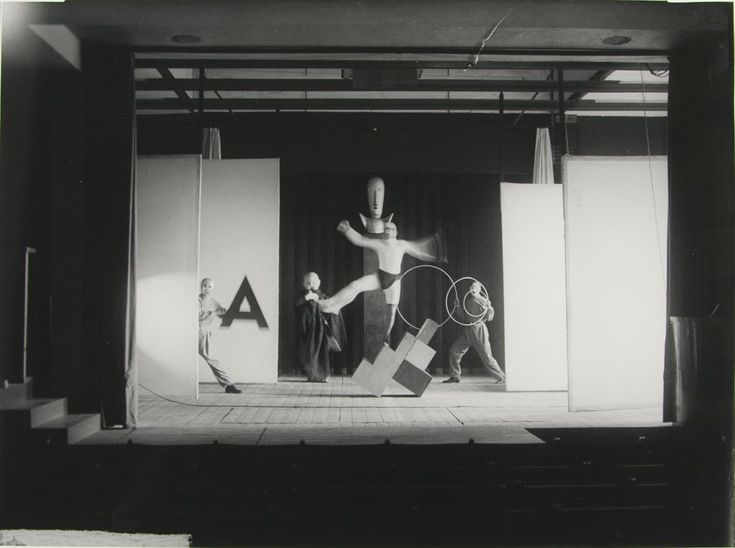 rene-hecht-bayer-american-chicago-ill-usa-1898-1991-los-angeles-cal-usa-title-equilibristic-dance-by-oskar-schlemmer.jpg (1024×763)