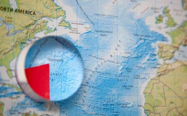Existem inúmeras teorias e histórias criativas acerca do famoso Triângulo das Bermudas. Ao longo de ... - iStock