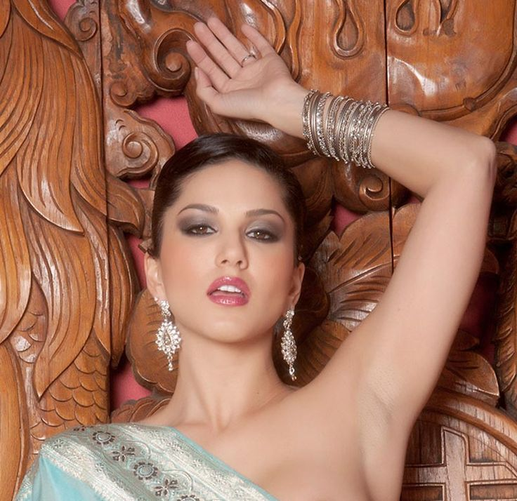Over bollywood actress original sex scene with saree