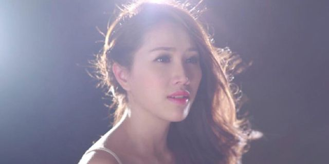 """Bảo Thy (born in June 2, 1988) is a Vietnamese Pop singer who sings and releases music through the internet. In 2006, she took part in the """"Thập Đại Mỹ Nhân (Top ten beatiful girls)"""" competition of gameonline and placed in the Top 10. #BaoThy #VietNam #SEASongoftheWeek More info/listen: http://www.cseashawaii.org/2013/11/bao-thy/"""