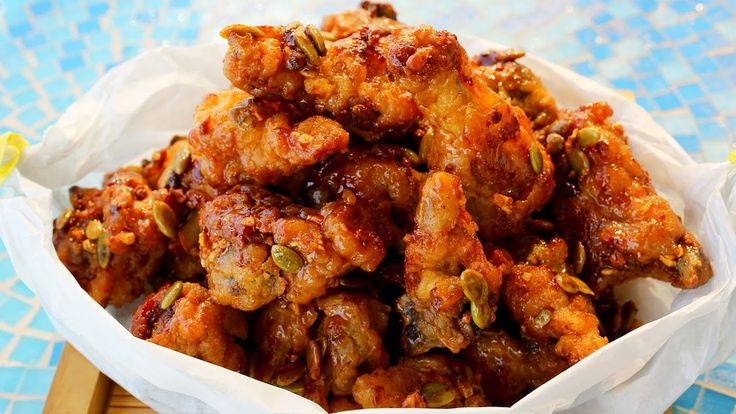 Korean honey butter chicken is small pieces of crunchy sweet chicken with garlic, honey, butter flavor. So yummy! No wonder so many Koreans love this taste! ...