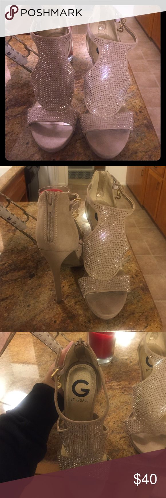 G by Guess heels Semi New only worn once tan heels. Very comfortable 👍🏻 Shoes Heels