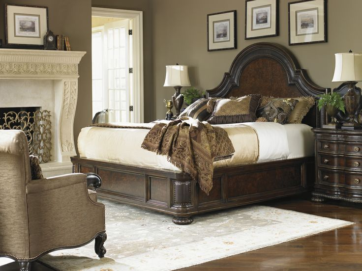 Florentino Cavallino Leather Platform King Bed