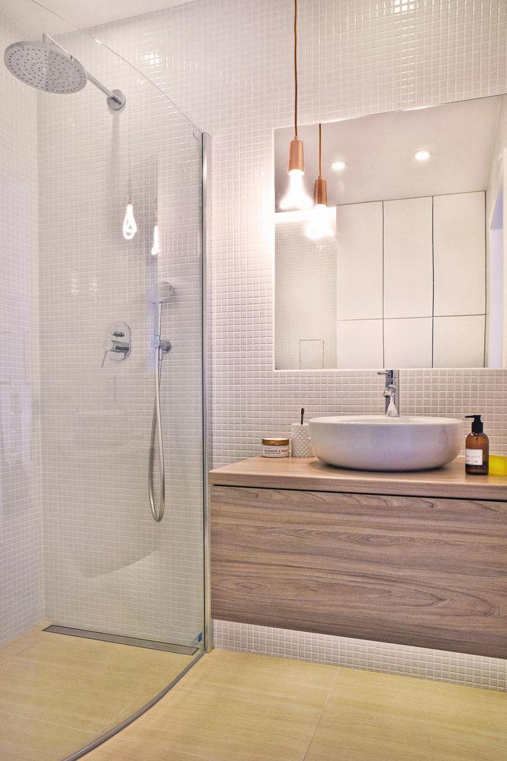 Łazienka 6 m2 i dużo miejsca do przechowywania. Projekt: J. Paszko Ochotny homestyling.pl ; Zdjęcie S. Chelis