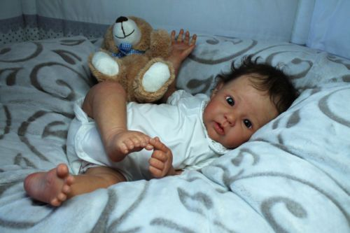 Reborn-realistic-baby-doll-Raven-by-Ping-Lau