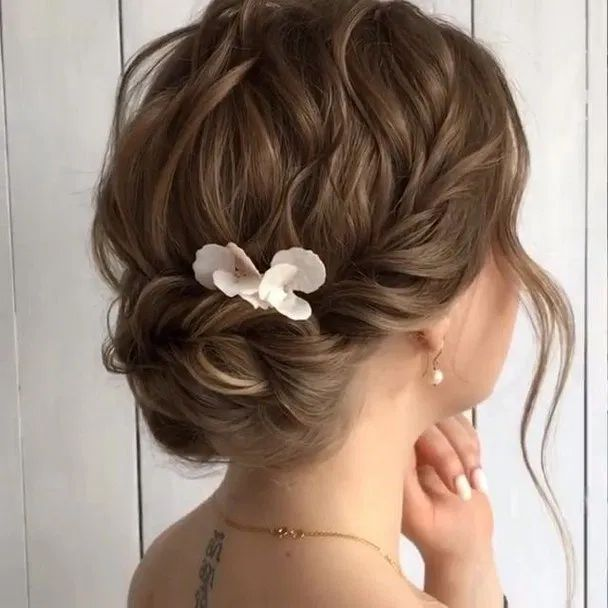160+ trendiest updos for medium length hair 21 ~ thereds.me
