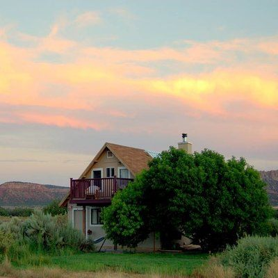 11 fantastic family friendly vacation rentals grand for Bryce canyon cabin rentals