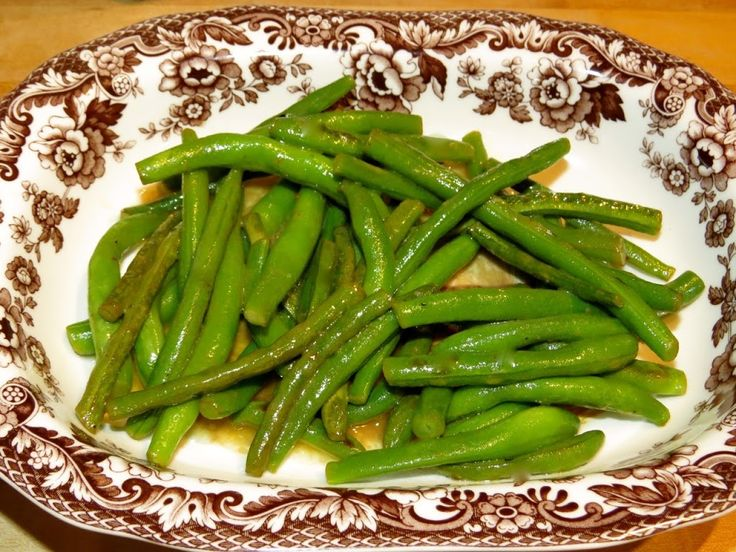 Julia Child's Haricots Verts a la Maitre d'Hotel (Buttered Green Beans with Lemon Juice & Parsley) | My Newlywed Cooking Adventures