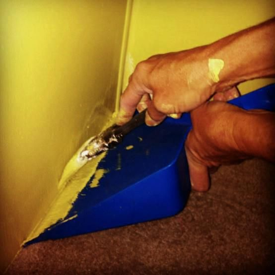 Painting edges with a dust pan. Brilliant!