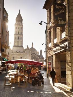 place de la clautre perigueux dordogne france - Cours De Cuisine Perigueux