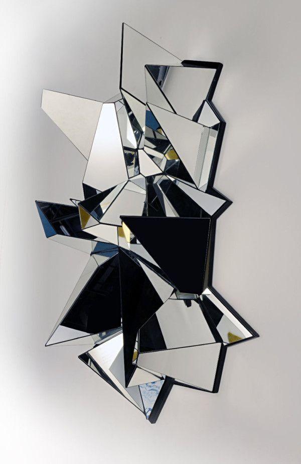 ART-PARIS  Mathias Kiss Miroir Froissé #2, 2008 Miroir, socle bois. 100 x 140 x 60 cm From 30000 to 50000 € Armel Soyer