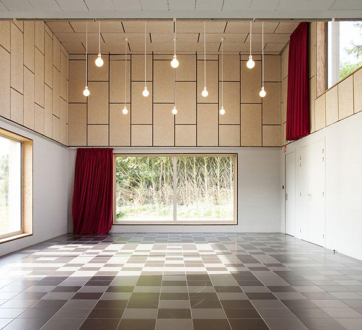 Community Hall in Saint Pierre des Bois / Boidot & Robin Architects