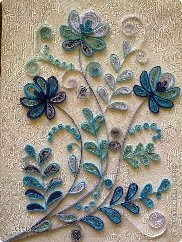 Teal Quilled Flowers (page is in Russian but has lots of good pictures)