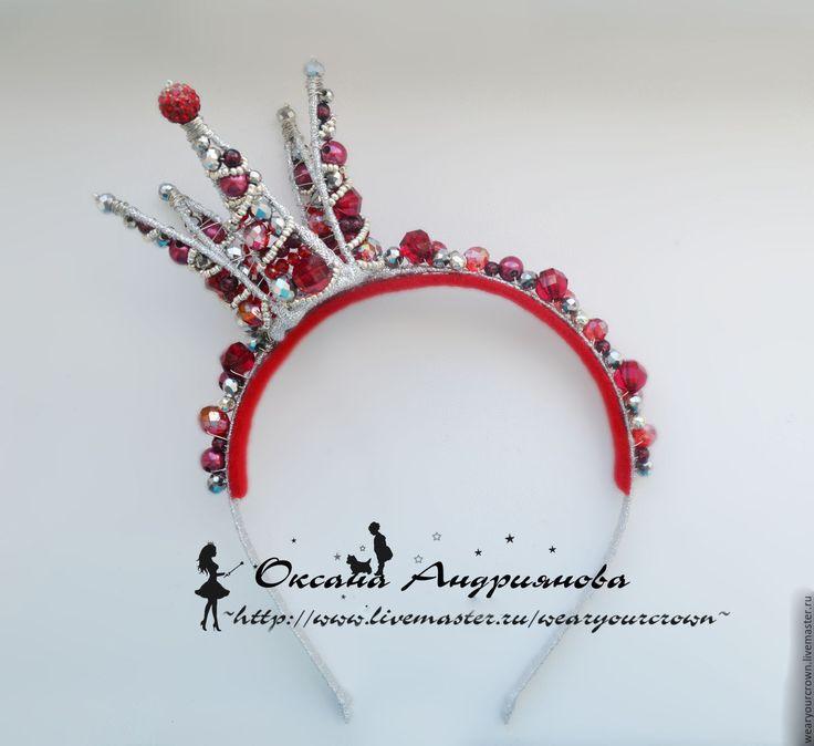Купить Корона Бордовая с серебром. Темно красная корона на ободке из бусин. - бордовый, темно-красный