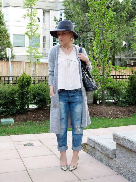 стайлинга бойфренд джинсы с верхней Zara, длинный кардиган, рептилии-узорной насосы и флоппи-шляпа