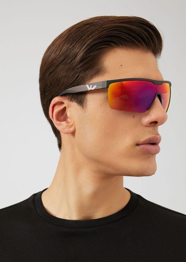 2ca3cc15ae6 Herren-Sonnenbrille 2019  Trendige Stile und Trends der Brillenfassung 2019