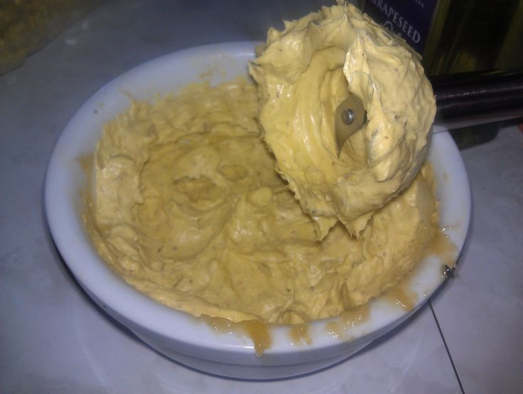 The benefits of Neem oil, Shea butter, grapeseed oil and silk aminos come together in a DIY conditioning treatment for your itchy scalp and dry breaking hair.