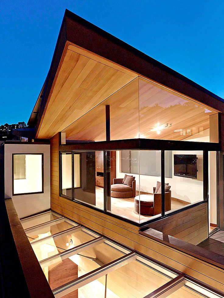 I love how the same material is used for the indoor ceiling and extends to the outdoor soffit. Nice!