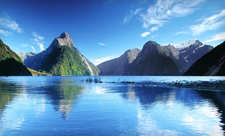 New Zealand's Otherworldly North Island and Tropical Cook Islands