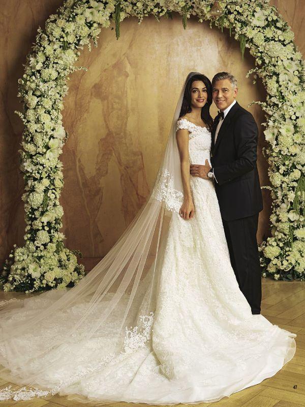 George Clooney & Amal Alamuddin... so glamorous: http://www.olagiatogamo.gr/diasimoi-gamoi/62-george-clooney-alamuddin-wedding-photos.html