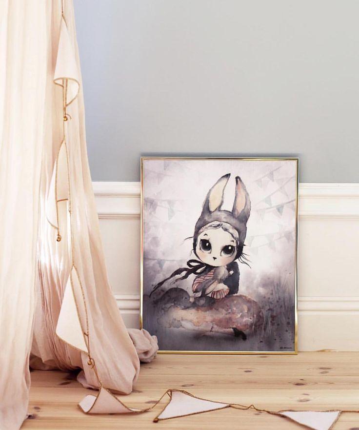 Miss Hanna ⭐️www.carmell.no⭐️ #mrsmighetto #poster #plakat #interiør #interior #barnerom #babyrom #carmell #barnebutikk #mammaperm #barneromsinspo #barneromsinteriør #barnrum