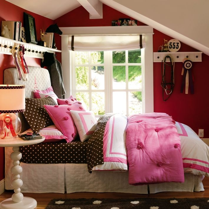 equestrian style bedroom. i absolutely love this horse-themed room! equestrian style bedroom