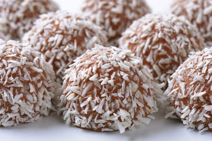 Le palline cioccolato e cocco sono dei dessert semplicissimi da preparare, ma irresistibili e molto eleganti. Ecco la ricetta