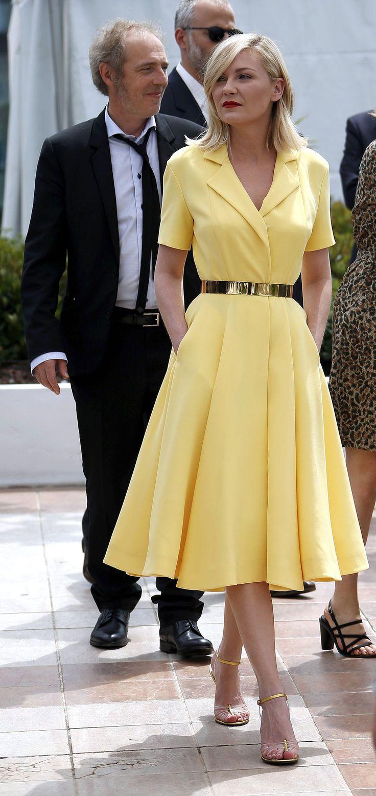 C'est la robe jaune qui marque la saison. Kirsten Dunst l'agençait à des accents métalliques dorés.